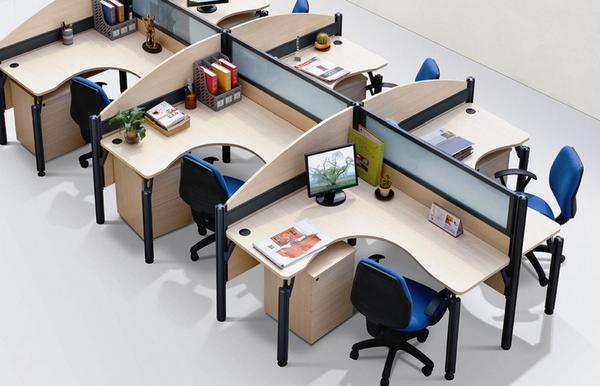 办公桌的摆放风水讲究 办公桌摆放风水知识图片