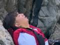 《极限挑战第一季片花》第八期 黄渤被关大铁笼智斗守卫 黄磊崖下睡觉静等救援
