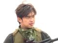 《极限挑战第一季片花》未播花絮 陈柏霖持枪恐吓黄磊 遭黄渤扯掉面罩
