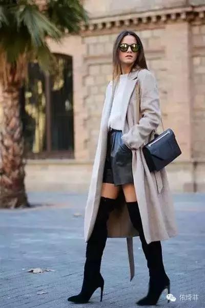 裤+黑色高跟长靴+卡其色