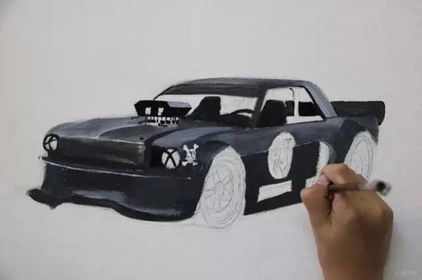这小帅哥10岁手绘汽车~这是要火的节奏啊