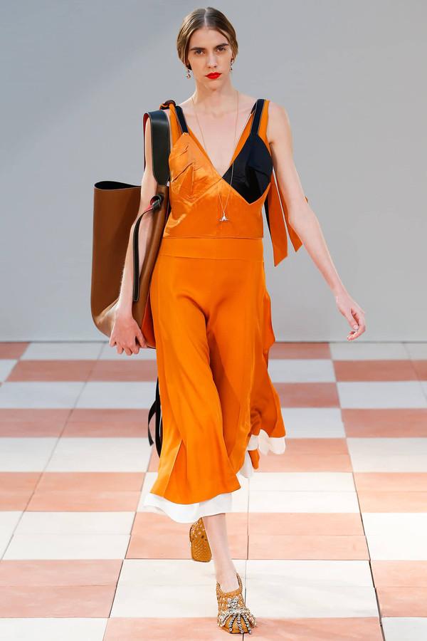 衣服顏色搭配 橙色搭配穿起來
