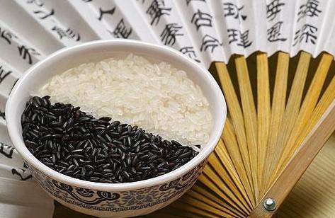 能让你一周瘦10斤的黑米减肥法大公开!