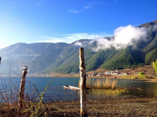 旅游 正文  環瀘沽湖還是推薦徒步,包車或者是租電瓶車,上坡下坡的路