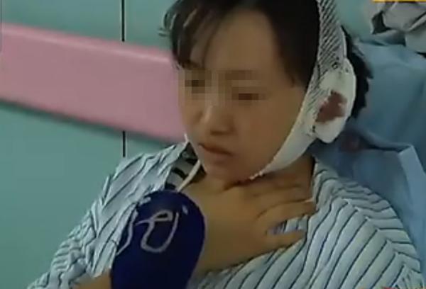 伤者周小敏在病院承受采访。