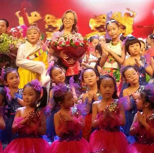 北京校园舞蹈学校举办20周年校庆晚会