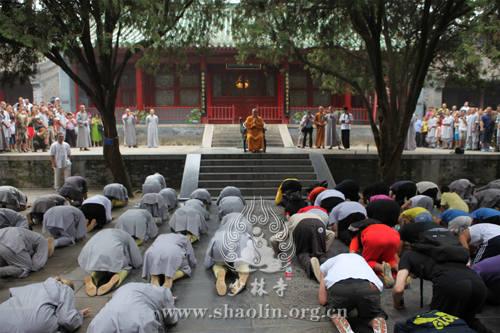 急速赛车释永信少林寺检阅外国弟子