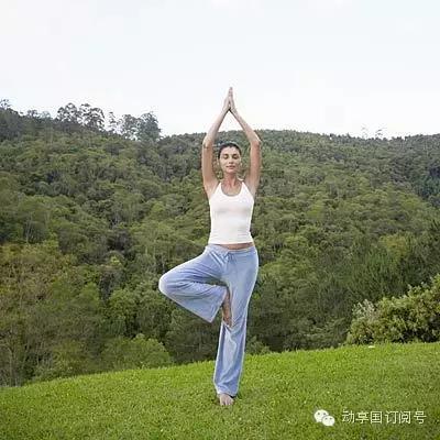 12个简单瑜伽动作,身体不灵活的人试试图片