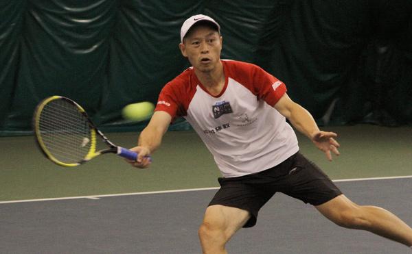 男单冠军郭晓勇在比赛中