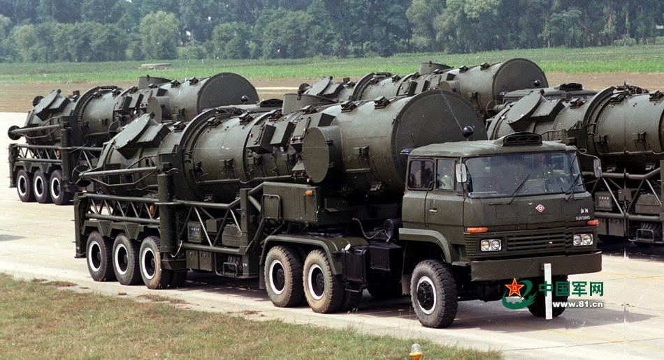 军事地�_解放军威武之师胜利之师风采的同时也展示了不同时期的军事武器装备