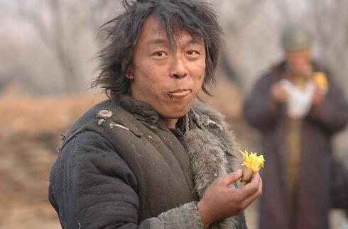 假如邓超、黄渤、宋小宝、绿花强凑在一起…红王宝裙子表情包图片