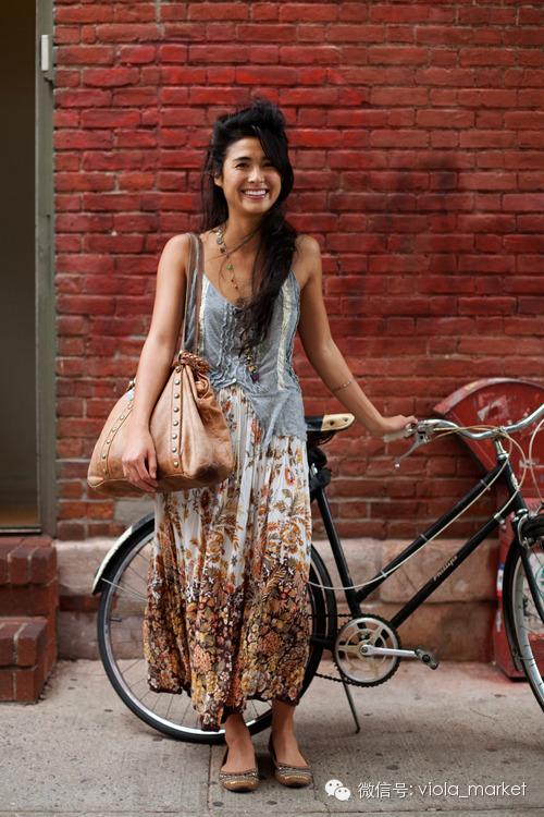 单车的外国美女