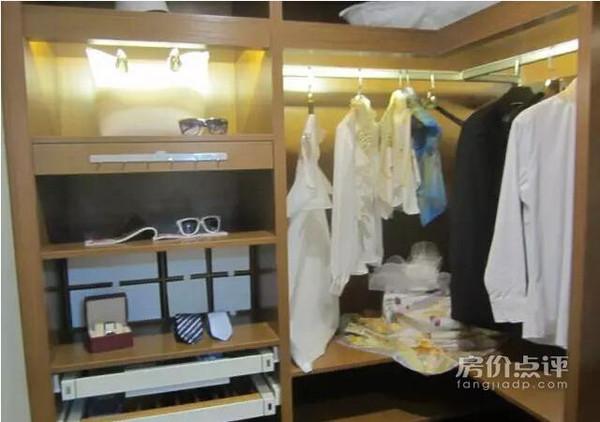 二开门衣柜内部结构