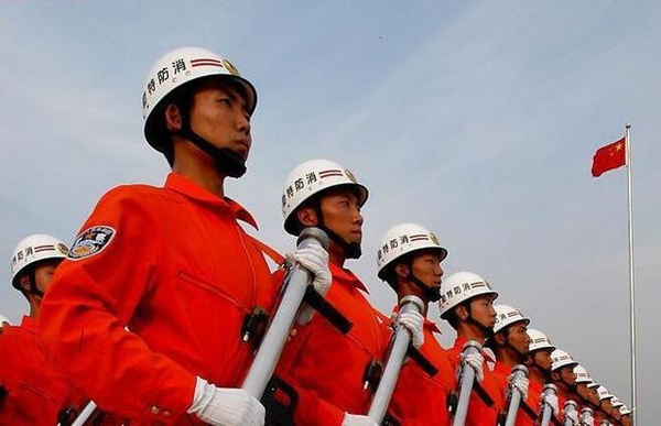 致敬天津消防战士:我是一名消防战士
