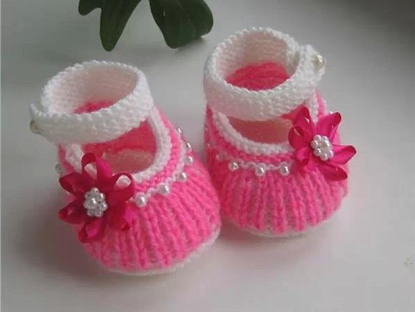 整书的怎样编织宝宝鞋钩法网上有,还有一些书上也有,重要的是选择合适