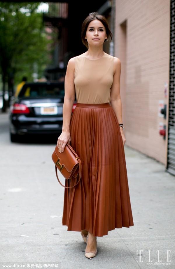 街拍潮人演绎半身长裙穿搭术 让你分分钟从人群中脱颖而出(2)