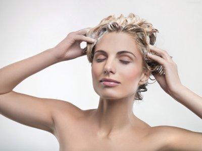 经期为什么不能洗头【相关词_ 女性经期不能洗头吗】图片