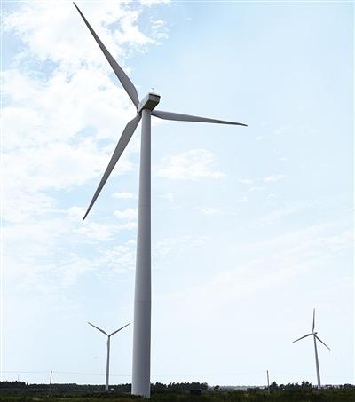 8月14日,位于江苏南通的中广核如东海上风电场配套建设的220千伏升压