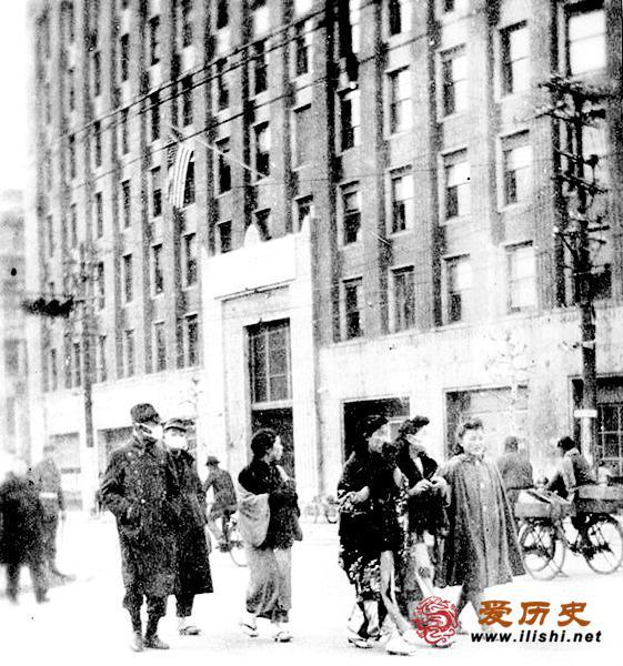 日本战败后成美国大兵的猎艳场
