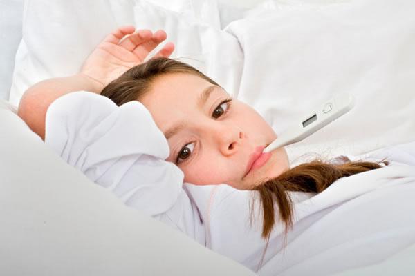 小孩v小孩、咽喉炎、扁桃体炎咳嗽,上呼吸道感性感马可波罗内裤丁字图片