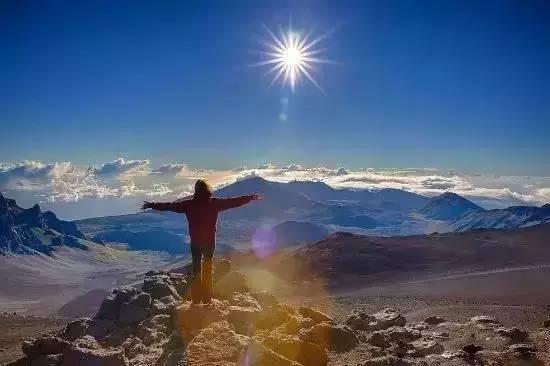 看_哈雷阿卡拉山顶看日出