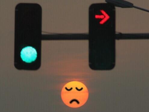 红灯亮了到底能不能右转?真相是这样的