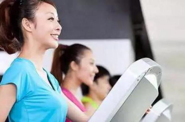 经期v经期?经期运动减肥?保鲜膜瘦身多久包图片