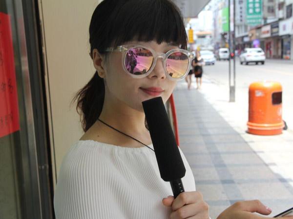 美女东莞街头采访你知道厚街有海吗?爆笑