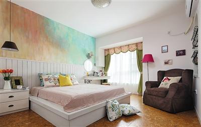 供图/熙子   阅读区   居室原本的北卧室被设计成开放式的阅读休闲图片