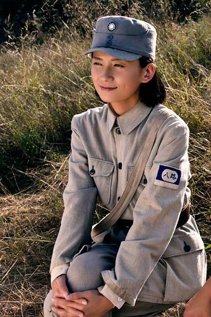 该剧主要讲述了刘邓大军在太行山上抗日的故事,而罗忆楠饰演的江君玉