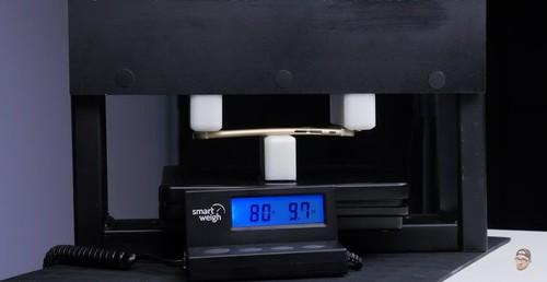 压力80磅(36kg)iPhone