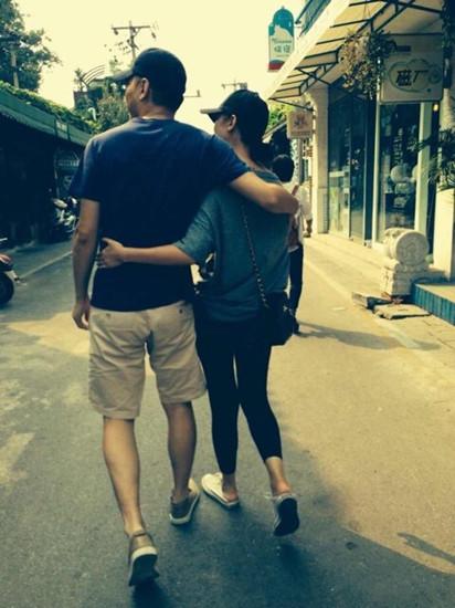 张瑶与老公合照