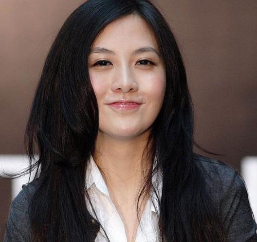 她是身价最年轻、最漂亮的女富豪,如今仔仔80万世界电视剧贵妃网图片