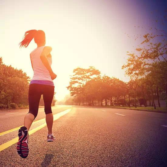跑步20分钟就想减肥? 8大跑步误区须知