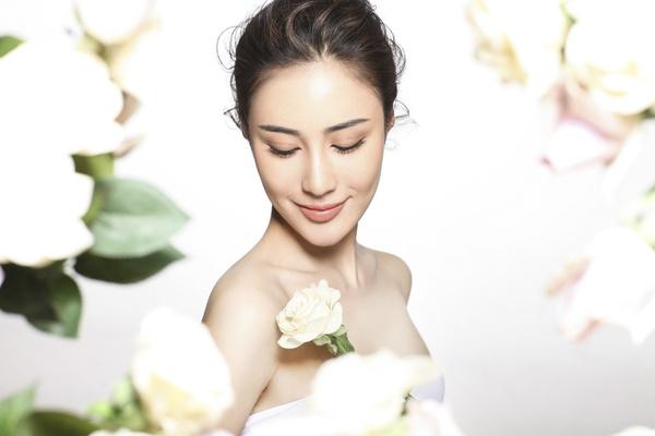 安金莉娅花仙子写真 气质空灵娇俏可人