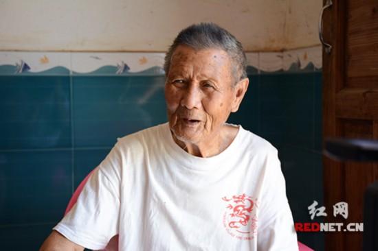 现年94岁的衡阳保卫战亲历老兵梁守好。