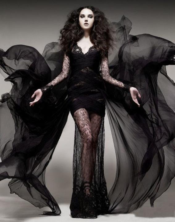 摇滚天后艾薇儿钟爱的哥特式婚纱照风格,是不是您
