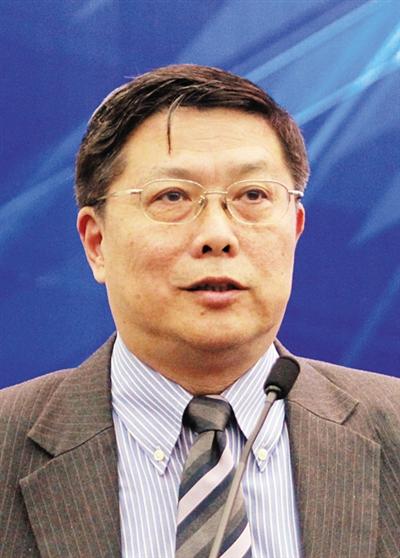 国务院参事室参事、亚洲开辟银行驻国家代表处前首席经济学家汤敏。