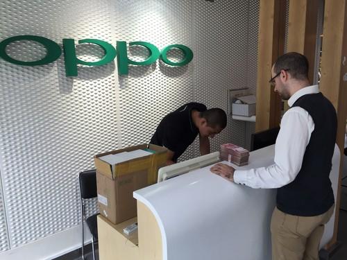 受朋友委托的马来西亚用户大批量购买OPPO