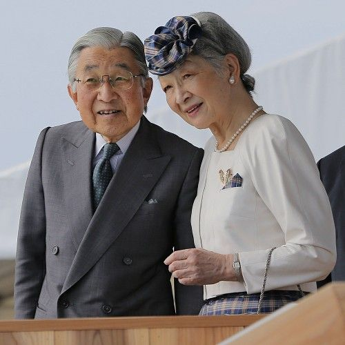日本现任天皇明仁天皇与皇后美智子
