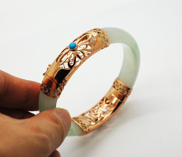 代波军艺术珠宝 翡翠手镯断口经过镶嵌后更漂亮图片