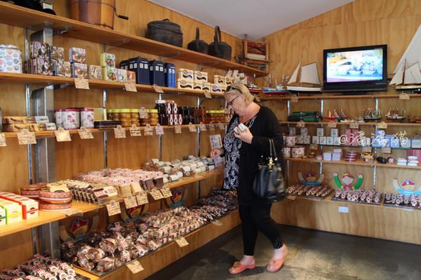 【澳大路亚】布鲁尼岛上的工坊美食舞曲五家丝袜性感美女dj串烧特色图片