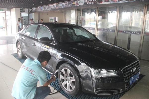 车贴膜自己贴_汽车为什么要贴膜 不贴不行么