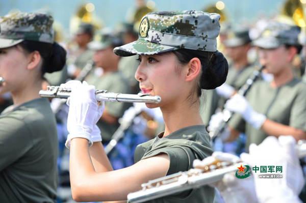 图为解放军联合军乐团训练现场。
