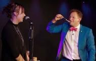 实拍魔术师用神奇方式求婚