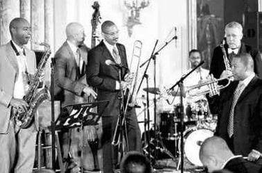 """""""节奏之旅""""――由美国国务院教育文化事务局以及林肯中心爵士乐社组织。"""