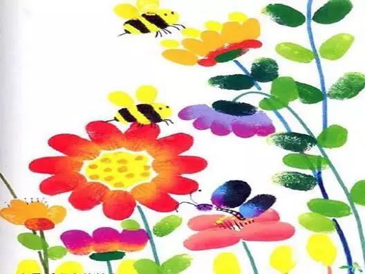 千姿百态的小花,蝴蝶垂怜,蜜蜂留恋.