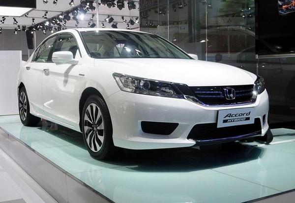 本田雅阁Hybrid至于国产雅阁Hybrid版车型,其预计将于明年下半年在高清图片