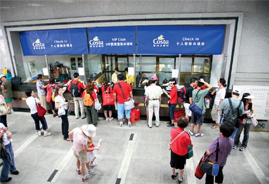爆炸发生前天津港区域内的景象。
