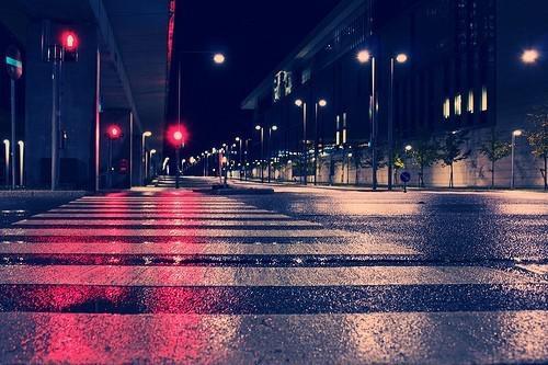 一個人的夜晚圖片